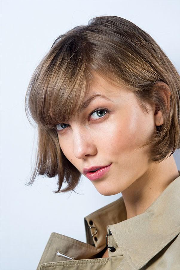 How to contour your cheekbones like Karlie Kloss