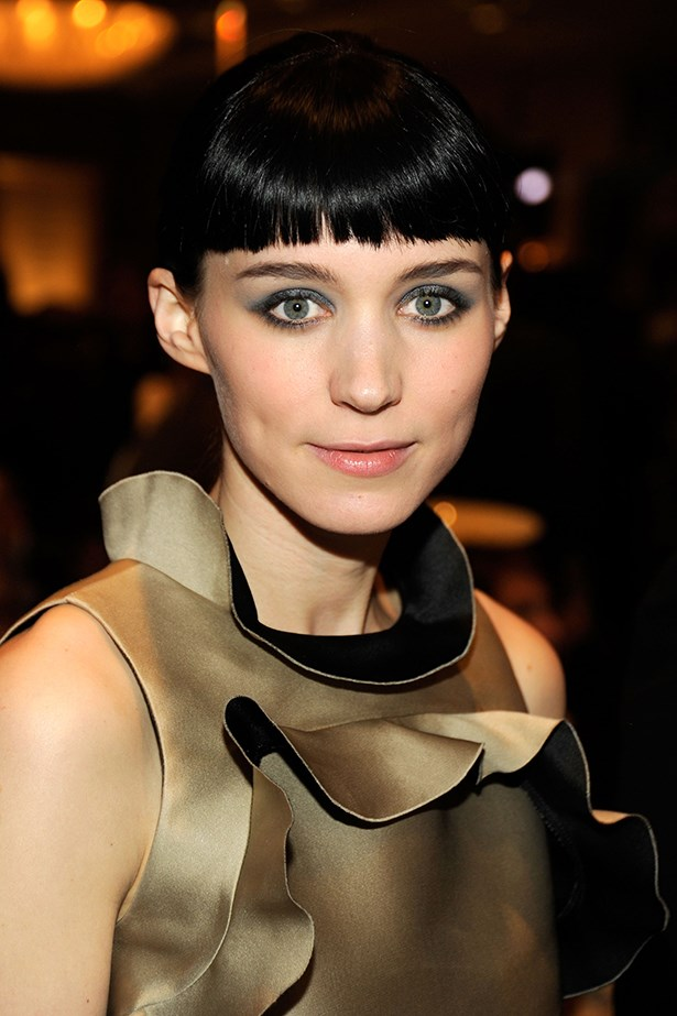 Teal eyeshadow and a touch of gloss for the 12th annual American Film Institute (AFI) Awards in Los Angeles in 2012.
