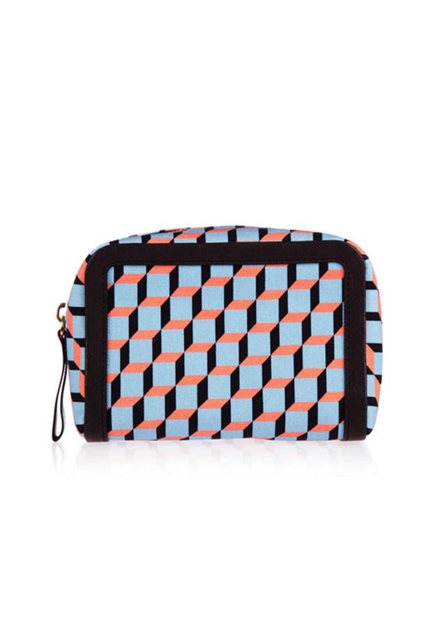 "Geometric purse, $188, Pierre Hardy,<a href=""http://www.net-a-porter.com""> net-a-porter.com</a>"