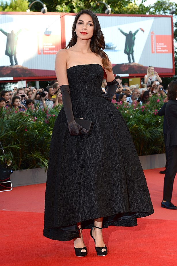 Actress Moran Atias wears a romantic Dolce & Gabbana dress to the <em>Gravity </em>premiere.