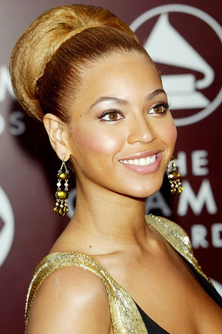 Beyonce at the 2005 Grammys