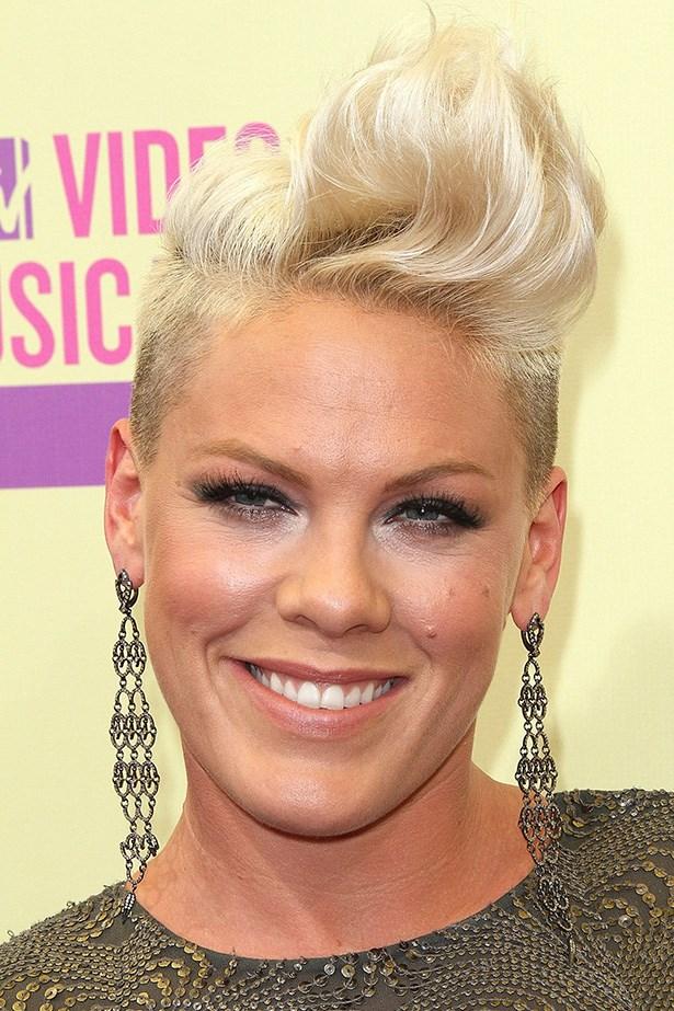 Pink rocks a platinum Mohawk at the 2012 MTV Music Awards.