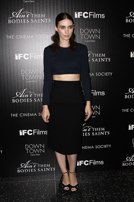At the Downtown Calvin Klein screening of Ain't Them Bodies Saints, Mara once again works the midriff, this time opting for super minimalism from Calvin Klein Collection resort.