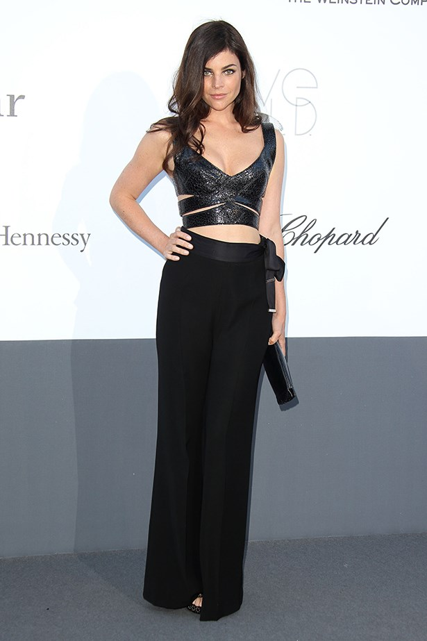 The only elegant way to wear a bare midriff on a red carpet.