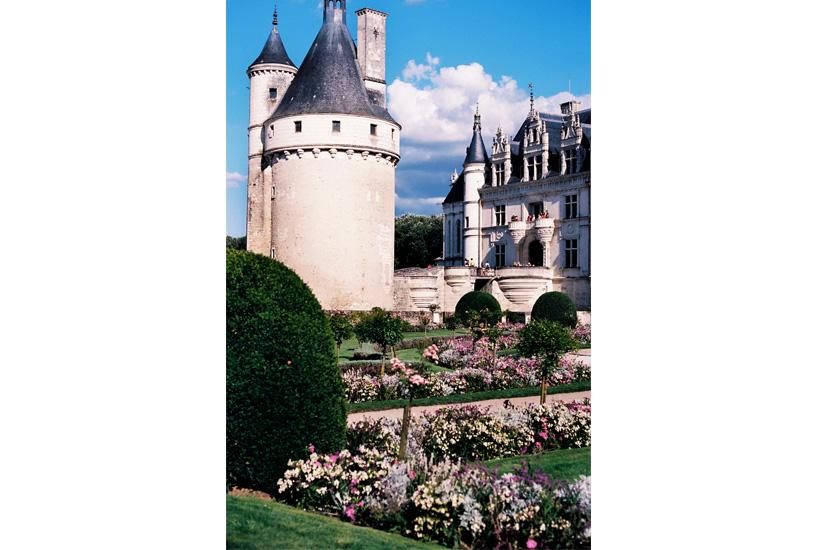 Fairy tale clouds float above the fairy tale Chateau de Chenonceau