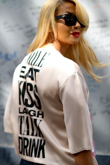 Reflect your personality with tongue-in-cheek slogan tees. Wear with a structured blazer to polish up the look.