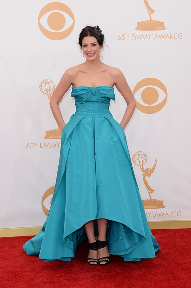 <p><strong>TREND: BRIGHT SPARKS</strong></p> <p>Jessica Pare's Oscar de la Renta dress featured beautiful origami detailing across the bustline and an asymmetrical hemline. Black Oscar de le Renta heels and a Ralph Lauren clutch complete Pare's red carpet look.</p>