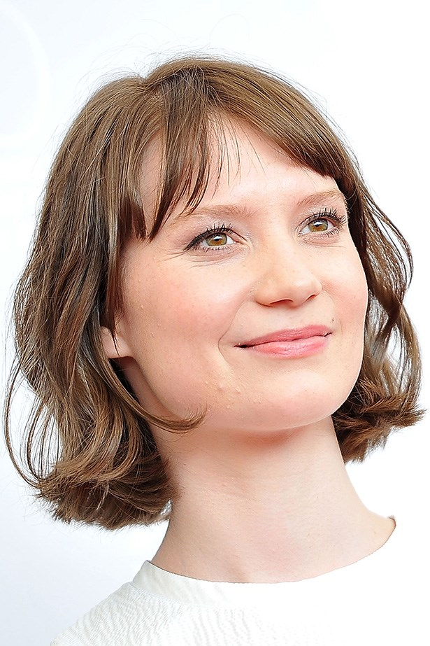 <p><strong>Who: </strong>Mia Wasikowska</p> <p><strong>Signature look:</strong> Complexion perfection</p> <p><strong>Muse factor:</strong> Touted as a young Cate Blanchett, Mia Wasikowska's similarities with the seasoned actress go beyond a stellar screen presence. The 24-year-old Australian's regal features, alabaster complexion and ethereal presence make her a skincare advertisement waiting to happen. </p>