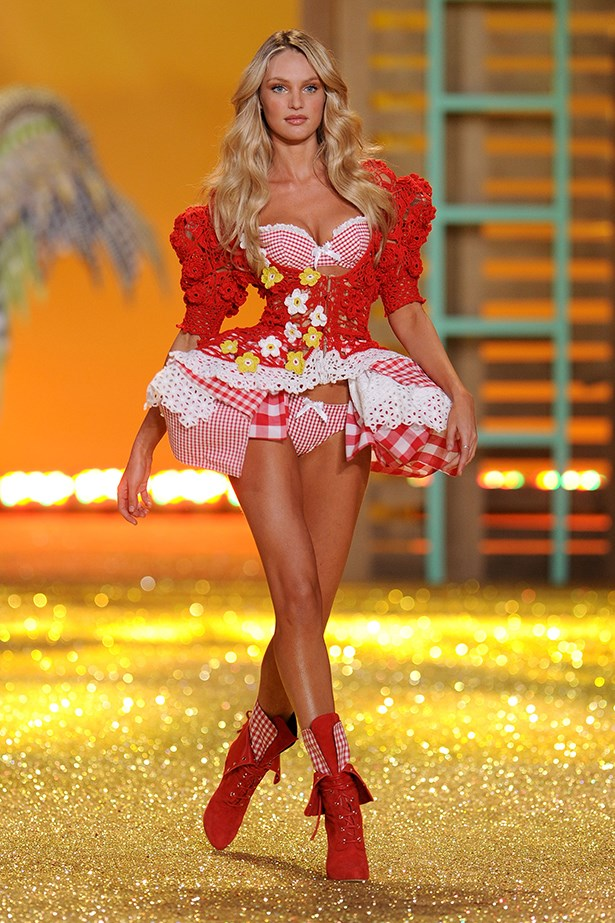 Candice Swanepoel walking for Victoria Secrets