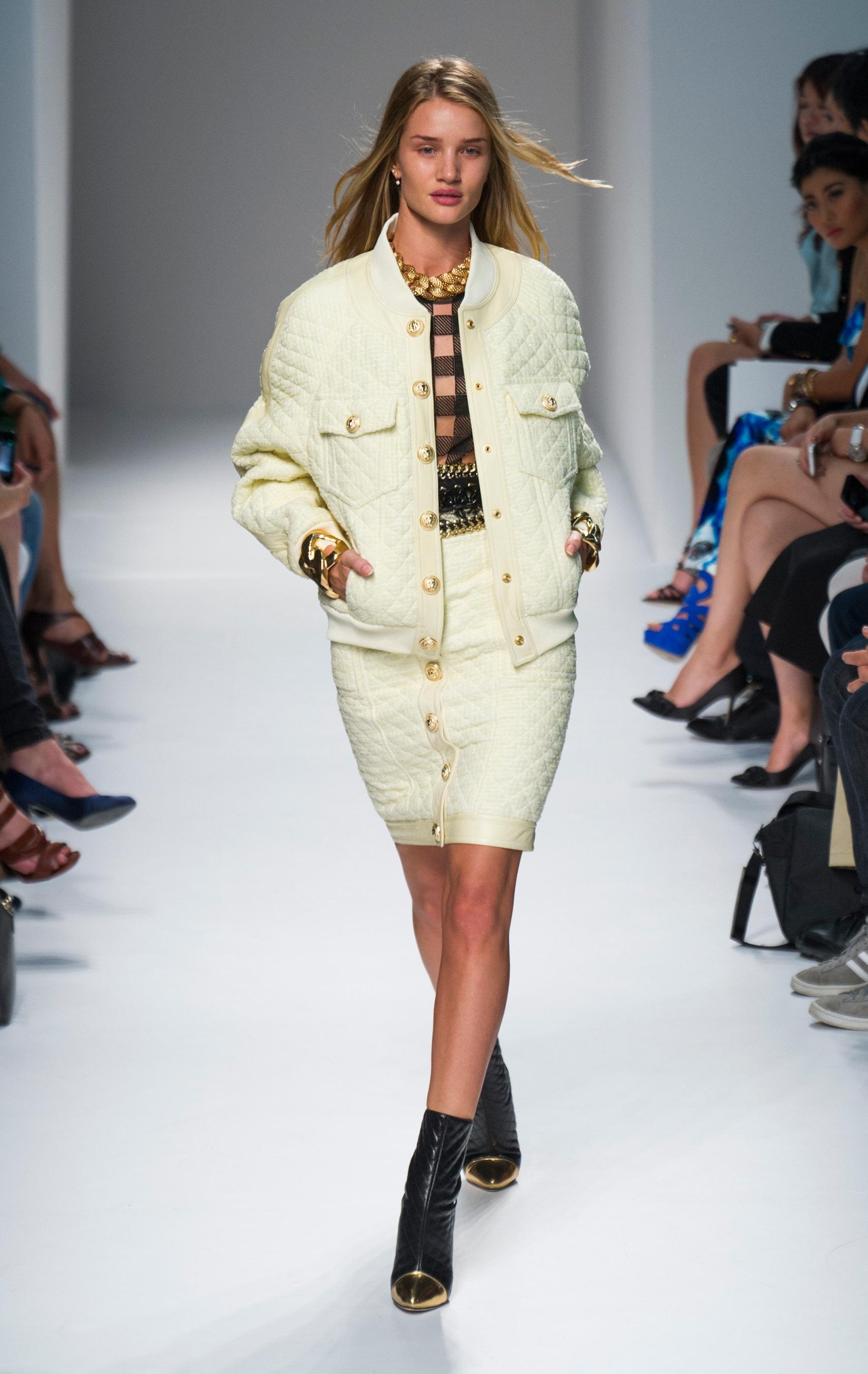 Rosie Huntington-Whiteley walks for Balmain at Paris Fashion Week