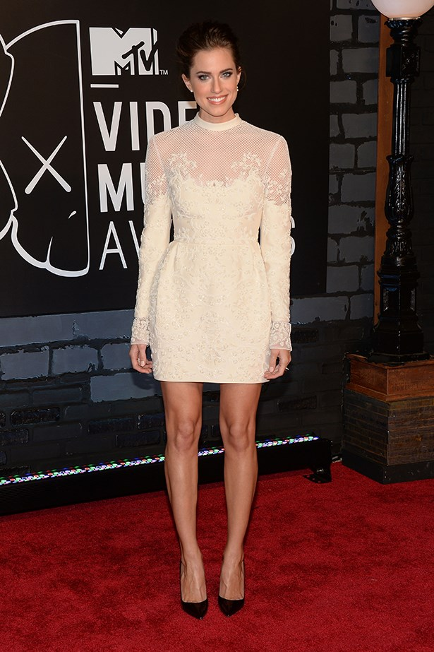 "<p><strong>Allison Williams in Valentino</strong></p> <p>Shift your thinking away from full-length gowns and open your mind up to the idea of a 60s-esque above-the-knee shift-style wedding dress. Allison Williams' Valentino garb that she wore to the MTV VMAs had us saying, ""I do!"" to this look.</p>"