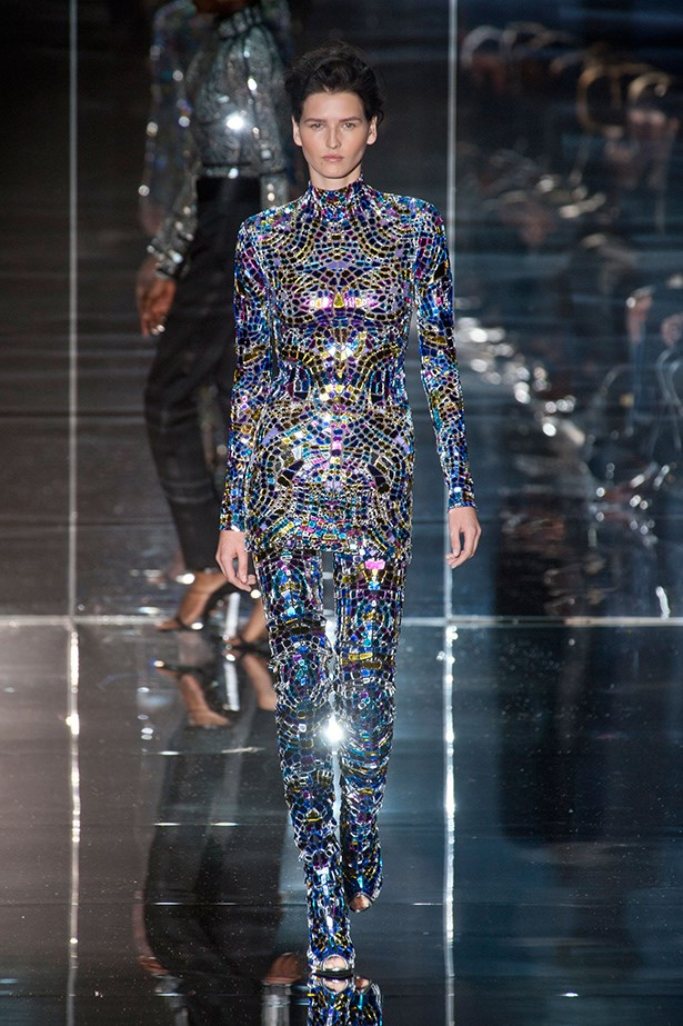 Tom Ford knows a glamorous statement, and looking like a walking, talking disco ball equals glamour in our book.