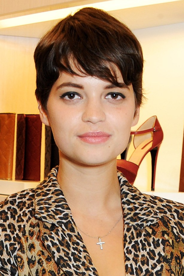 She's experimental with the colour (blonde, pink and everything in between), but Pixie Geldof's rich-brown, sophisticated (appropriately titled) pixie cut is our fave.