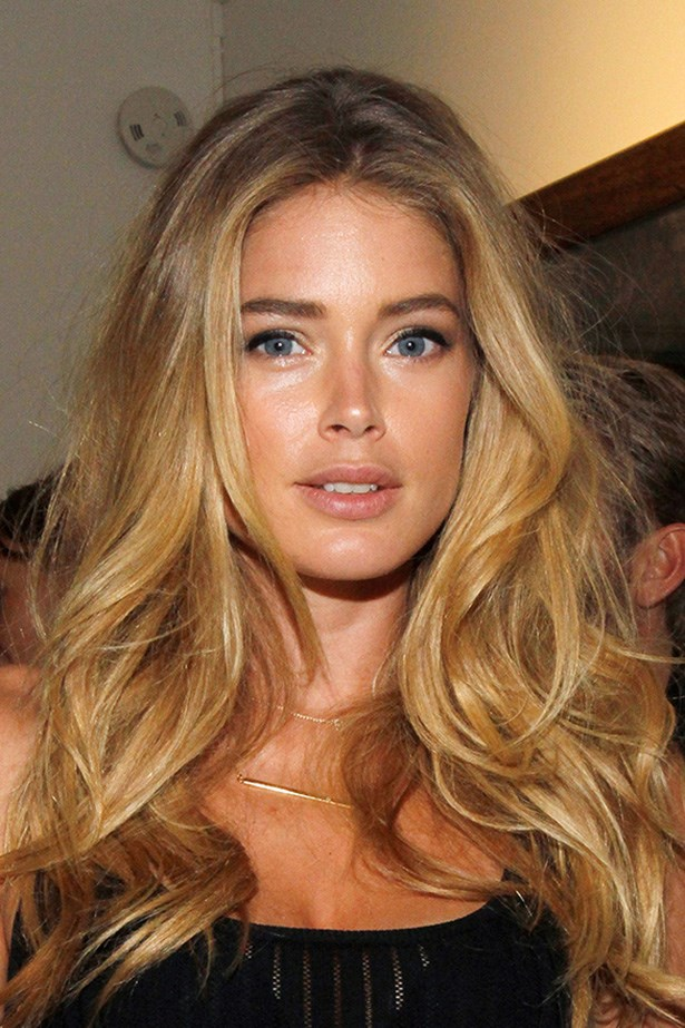 Doutzen Kroes' sandstone waves are this Victoria Secret's crowning glory. Miami beach babe all the way.