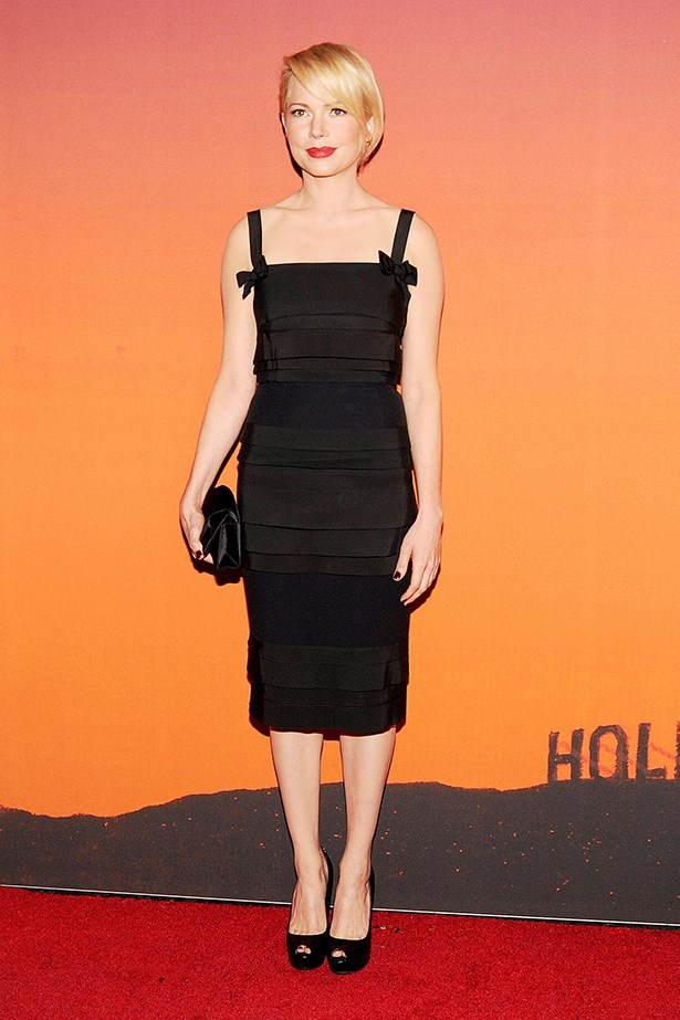 Michelle Williams demonstrates how to wear the <em>perfect</em> LBD.