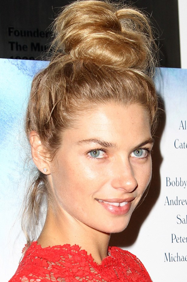 Proving the versatility of this low maintenance style, Jessica Hart wears her top knot anywhere, from walking her dog on the streets of New York to glamorous red carpet events. At the premiere of Blue Jasmine, her blonde locks are piled into a messy bun.