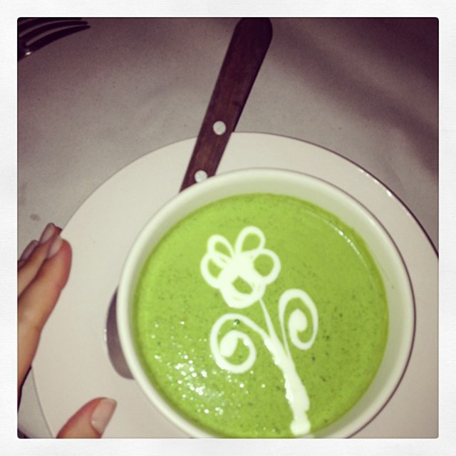 """Green Soup"" FYI: Rosie Huntington-Whiteley and Miranda have both spoken out about loving cold pressed soups"
