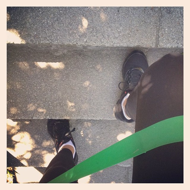 "<p>""One step at a time! #resistancebands feel it burn""</p> <p><strong>FYI</strong>: Kerr runs between three and five km, once or twice a week</p>"