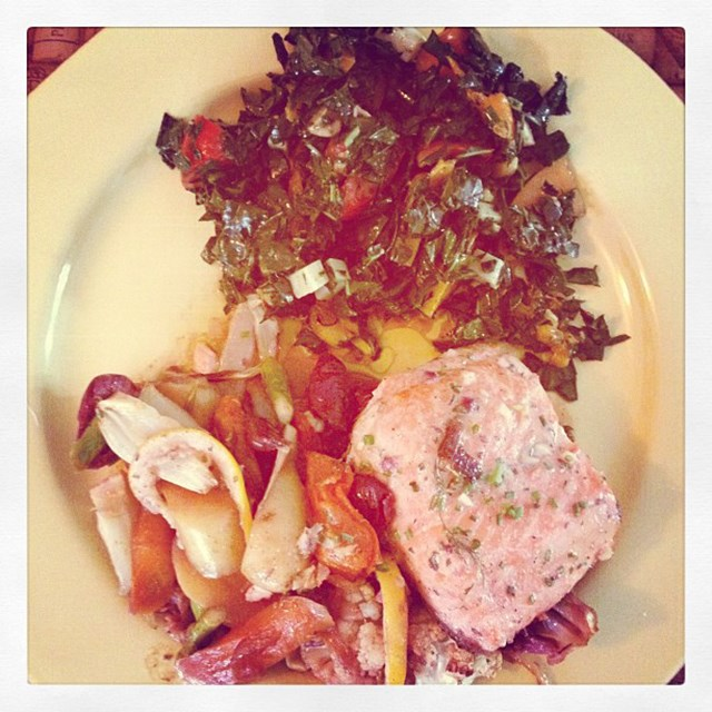 """<p>""""Dinner! Yummy!</p> <p><strong>FYI</strong>: Kerr's favourite foods are wild salmon, fresh vegetables, quinoa and coconut."""