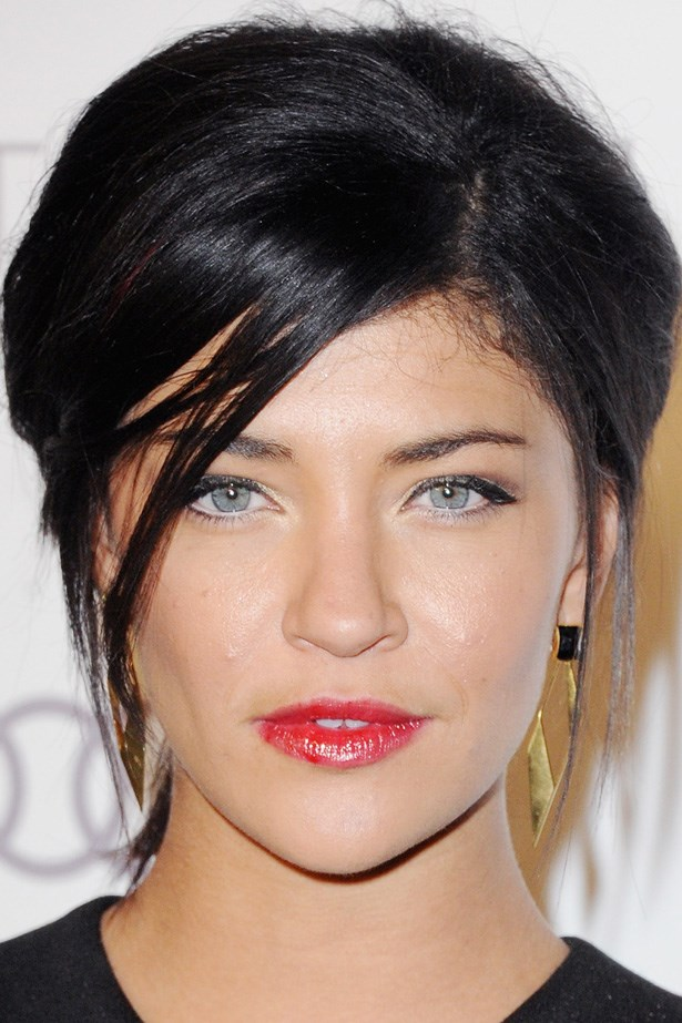 Jessica Szohr embraces fluffy texture for her simple up-do.