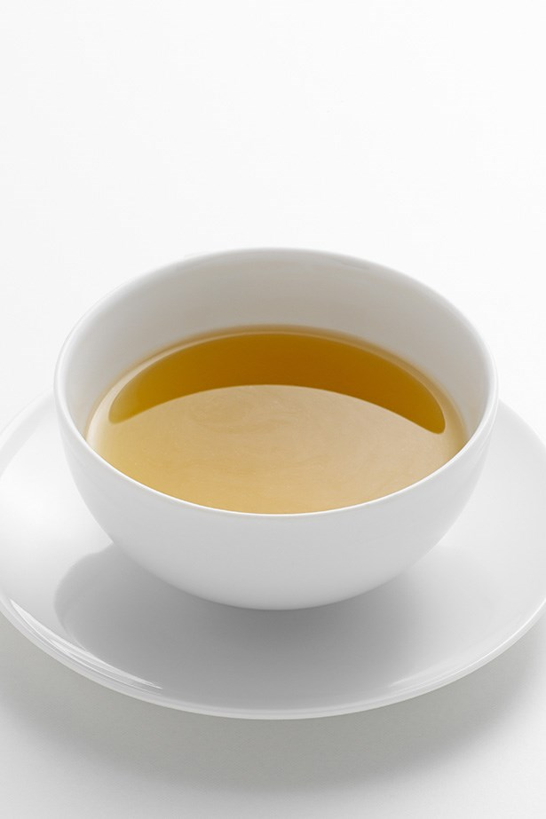 Green tea - Used for thousands of years as a digestive, green tea contains tannins including polyphenol, an antioxidant scientifically proven to have anti-inflammatory qualities.