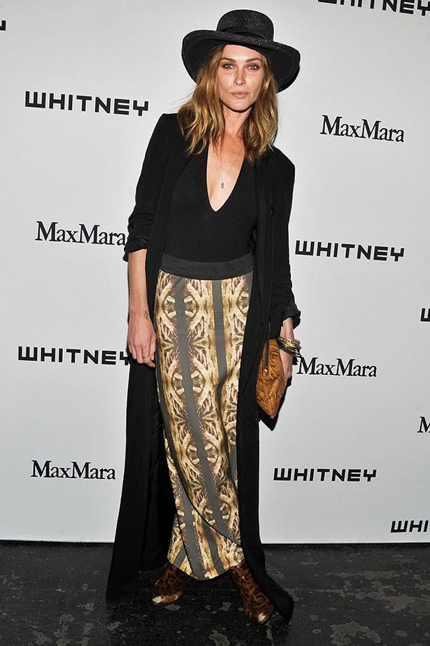 Maxi skirt + black full brim hat + long jacket = classic Wasson style.