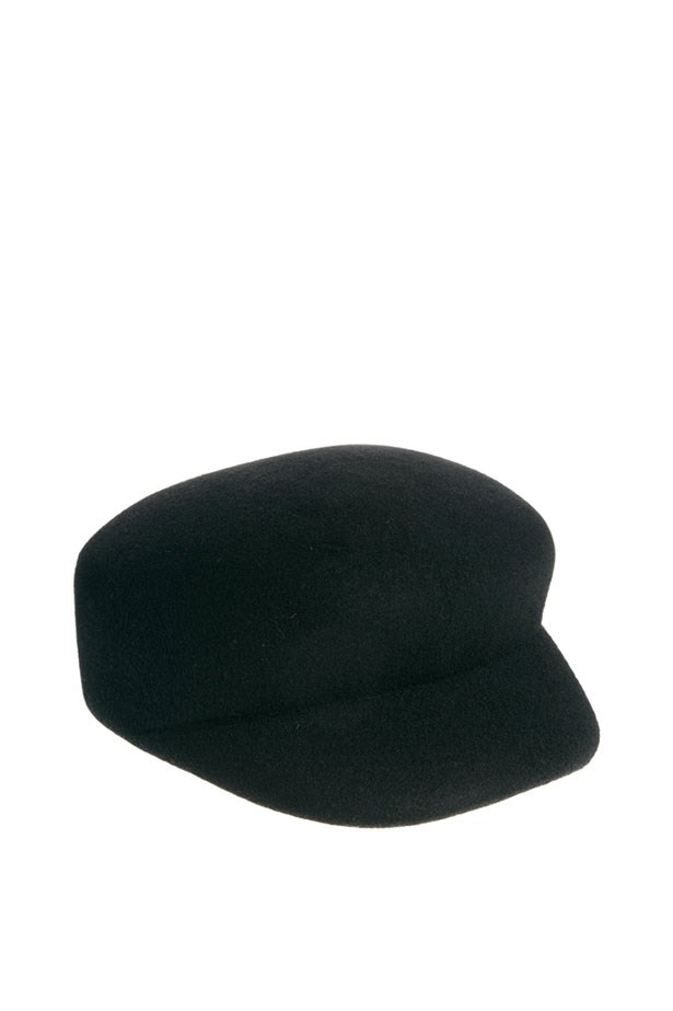 "Baker boy felt cap, $33, ASOS, <a href=""http://www.asos.com/au/ASOS/ASOS-Baker-Boy-Felt-Cap/Prod/pgeproduct.aspx?iid=3097052&cid=4174&Rf997=4080&sh=0&pge=5&pgesize=36&sort=-1&clr=Black"">asos.com/au/</a>"