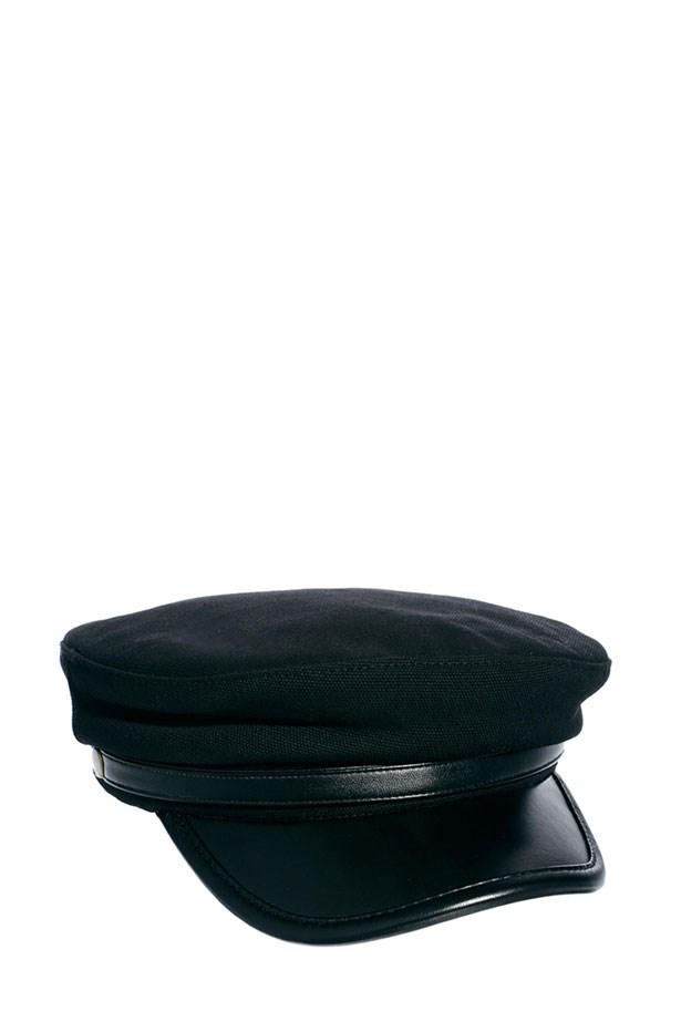 "Baker boy cap, $33, ASOS, <a href=""http://www.asos.com/au/ASOS/ASOS-Baker-Boy-Cap/Prod/pgeproduct.aspx?iid=3158922&cid=4174&Rf997=4080&sh=0&pge=6&pgesize=36&sort=-1&clr=Black"">asos.com/au</a>"