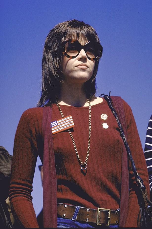 We love Jane Fonda's haircut and oversized sunglasses