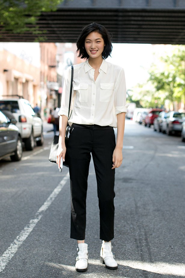<p>We're thankful for… the faithful white shirt. In all its effortless glory.</p> <p>Model off-duty at NYFW</p>