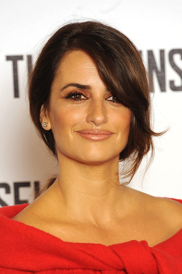 Penelope Cruz uses the Eight Hour Cream as a part of her beauty regime.