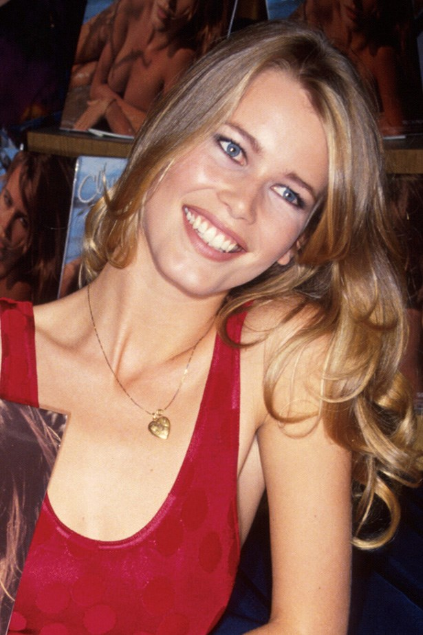 Twenty-one-year-old Claudia Schiffer looks radiant with glossy curls, a nude lip and a soft kohl eyeliner in 1991.