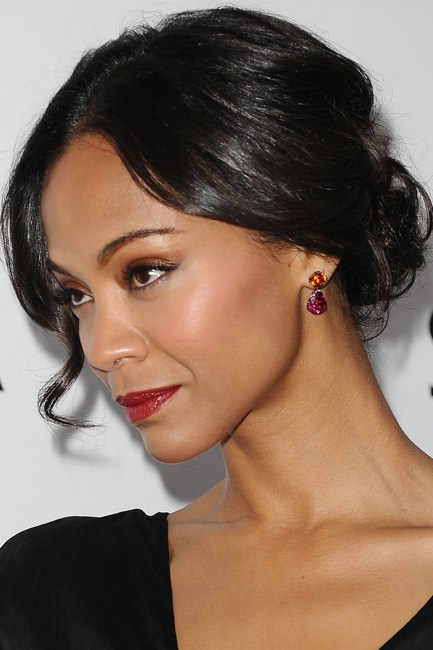 <strong>The coloured rock</strong><br> Whether you can afford for the real deal – like Zoe Saldana's David Yurman mandarin-garnet-and-rubellite drop earrings – or opt for faux, stone earring will always catch the spotlight.