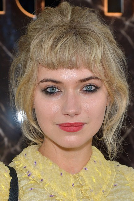 <strong>Undefined up 'do</strong><br> To get Imogen Poots' style you'll need to build on the sea salt you have on your hair already with an artificial product, before simultaneously pinning backwards haphazardly and pulling pieces out around the face.