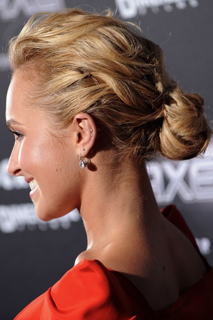 <strong>Low bun</strong><br> Start the low bun process with the backcomb instructions and then follow through by loosely pinning chunks of hair, in circles, at the nape of the neck. When you're done, the idea is to look like Hayden Panettiere.