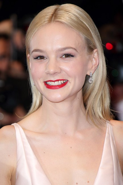 <strong>BEFORE: Carey Mulligan<br> Switchero: </strong>Film roles called for Carey Mulligan to do a classic blonde to brunette transformation this year. And, in real life it works a treat.