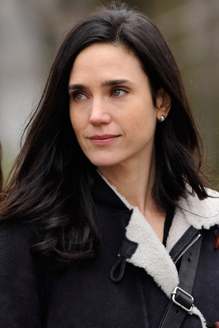 <strong>BEFORE: Jennifer Connelly<br> Bobbing about: </strong>Jennifer Connelly scored major chic-points when she recently debuted this bob.