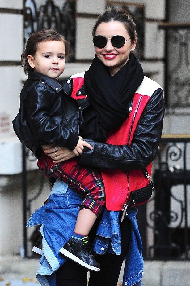 Miranda Kerr is rarely seen without a pair of killer sunglasses, here she opts for a circular style of sunnies.