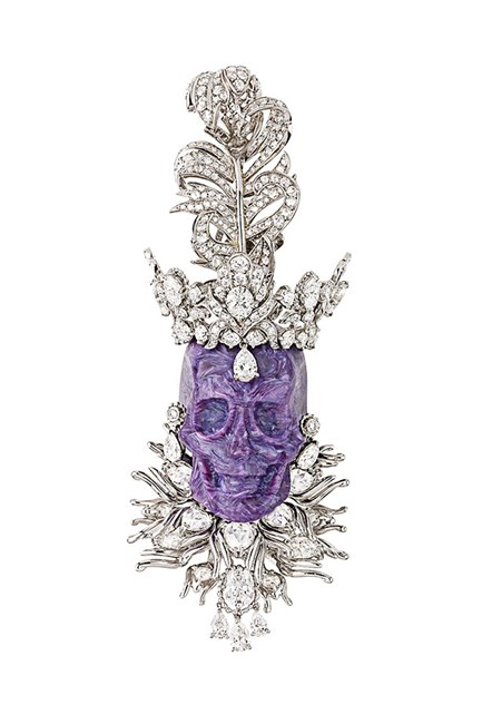 If Lorde had seen this regal pendant she might not have ruled out royal status. With 470 hours of hand work, it's fit for a queen