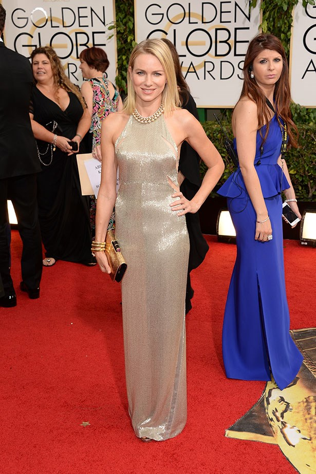 Naomi Watts wearing a dazzling Tom Ford gown and gold accessories at the 2014 Golden Globes