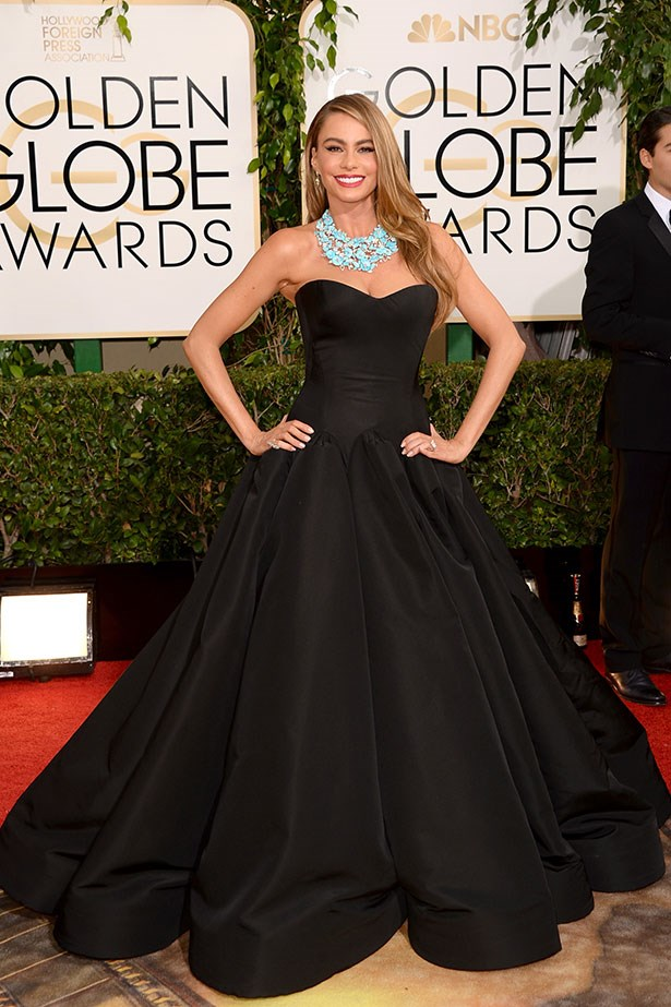 Sofia Vergara wearing a black strapless Zaz Posen and Lorraine Schwartz jewellery on the red carpet at the 2014 Golden Globes