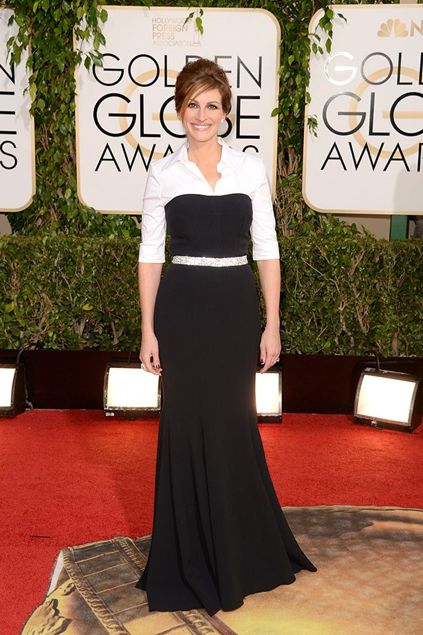 Julia Roberts wears a black and white Dolce and Gabbana gown at the 2014 Golden Globes
