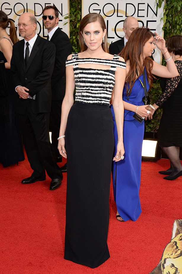 Allison Williams wears black and white SS14 Alexander McQueen at the 2014 Golden Globes