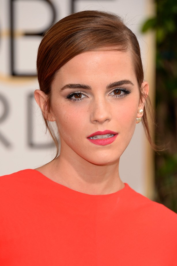 <strong>RED LIPS<BR></strong> Emma Watson at the 71st Annual Golden Globes with a gorgeous matte red lip.