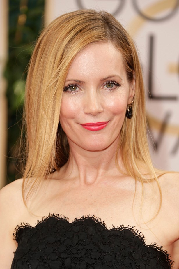 <strong>RED LIPS<BR></strong> Leslie Mann is rocking a melon red lip at the Golden Globes this year.