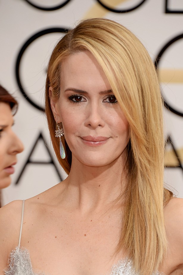 <strong>SLEEK HAIR<BR></strong> Blow-dried to perfection, Sarah Paulson's look was understated and polished.