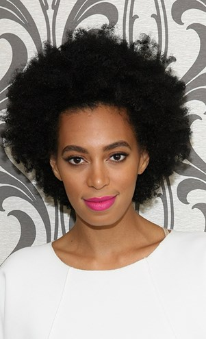If anyone is going to rock the 'fro in an everyday setting, it's going to be Solange Knowles.