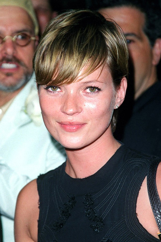 On the red carpet at the world premiere of Artificial Intelligence: A.I. world premiere, Moss debuted a long pixie cut in 2001