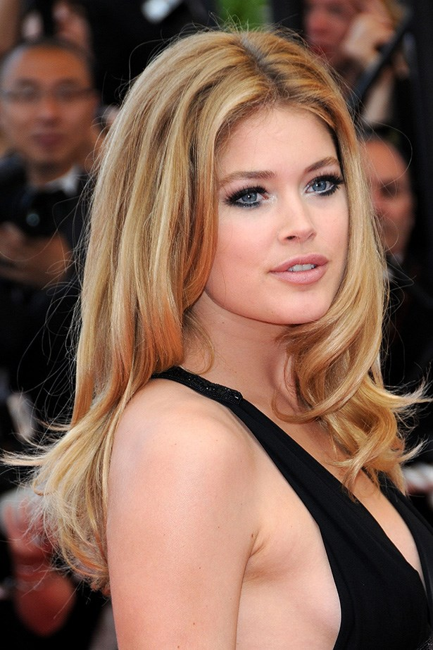 The Victoria's Secret beauty rocked the Cannes red-carpet premiere of <em>Vengence </em>with a glossy blowout in 2009.