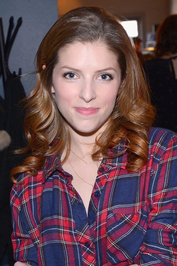 Anna Kendrick wore a flick of eyeliner, and a touch of pink lip balm.